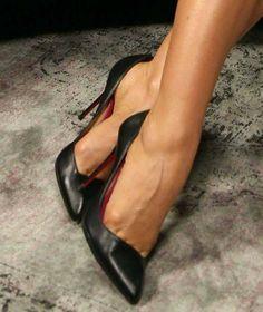 "Carmen Electra's sexy feet in Christian Louboutin ""Corneille"" pumps Sexy High Heels, Beautiful High Heels, Sexy Legs And Heels, High Heel Boots, High Heel Pumps, Pumps Heels, Stiletto Heels, Shoe Boots, Stilettos"