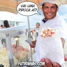 C. Ronaldo vira pipoqueiro; veja memes do revés de Portugal http://esportes.terra.com.br/futebol/copa-2014/c-ronaldo-vira-pipoqueiro-veja-piadas-do-reves-de-portugal,8c06fb66f26a6410VgnVCM3000009af154d0RCRD.html