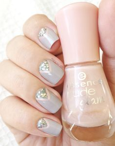 Soft Grey — Essence : Iced strawberry cream 02 — Nails inc : grosvenor gardens — Essie : Take it outside