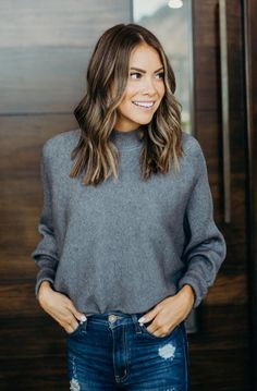 31 brunette hair style color with highlights 10 Medium Hair Styles, Short Hair Styles, Medium Length Hair With Layers, Hair Layers, Mid Length Hair, Today's Fashion Trends, Feminine Style, Feminine Fashion, Tips Belleza