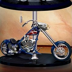 Patriotic American Eagle Chopper 15-Inch Tall Table Lamp: Freedom Rider - detail 3
