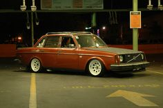 1975 Volvo 244 GL Maintenance/restoration of old/vintage vehicles: the material…