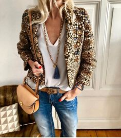"""This jacket 💛"""""""