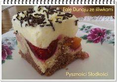 Lekko kwaśny smak śliwek sprawia,   że ciasto jest pyszne  i szybko znika z talerza.