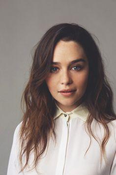 Emilia Clarke ✾                                                                                                                                                      Más