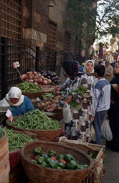 El Cairo  (Egipto).  Mercado callejero