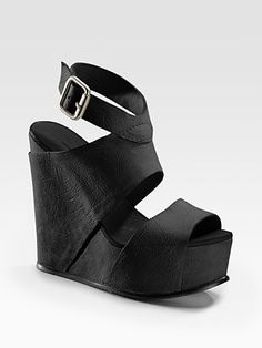 74f050694db Vera Wang is a genius. But apparently you have to be special to have these