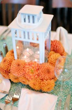 Farol blanco via Cori Cook Floral Design Short Centerpieces, Wedding Table Centerpieces, Centerpiece Ideas, Fall Wedding, Rustic Wedding, Our Wedding, Dream Wedding, Ikea Flowers, Cute Wedding Ideas