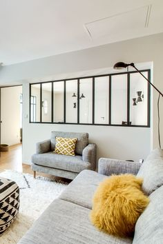 Modern Living Rooms 67623 A semi-glass roof to light up the TV lounge Sweet Home, Inside Design, House Windows, Interior Styling, Interior Design, Room Interior, Home Furnishings, Home Furniture, Family Room