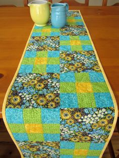 Table Runner Spring Floral. I like the pattern, but I'd have to change the colors.