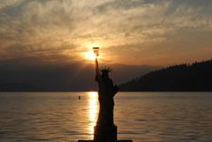Sandpoint, Idaho: Where breathtaking scenery and waterfront living collide with all the charm of a small, mountain town. Bonners Ferry, Sandpoint Idaho, Natural Scenery, City Beach, Small Towns, Natural Beauty, Most Beautiful, America, Sunset
