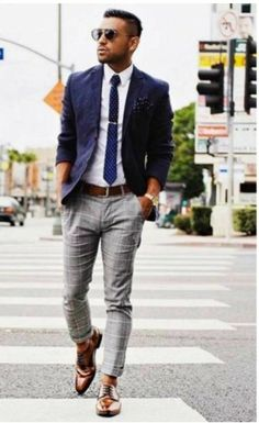 Dapper Formal Outfit Ideas To Look Sharp For Men 53 Interview Outfit Men, Interview Style, Fashion Mode, Mens Fashion, Fashion Sites, Fashion 2018, Lolita Fashion, Fashion Dresses, Fashion Trends