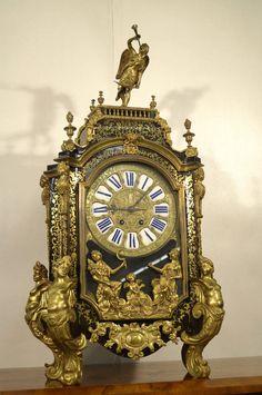 Meisterliche Boulle Uhr reich mit Bronze ``Jagarde a Paris´´