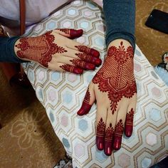 So what are you waiting for just scroll down and checkout these bridal mehendi designs for your wedding and related ceremonies! Khafif Mehndi Design, Mehndi Designs Book, Mehndi Designs For Girls, Indian Mehndi Designs, Stylish Mehndi Designs, Mehndi Designs For Fingers, Mehndi Design Photos, Finger Mehendi Designs, Pretty Henna Designs