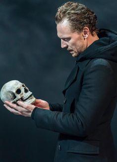 Tom Hiddleston as Hamlet. Hamlet - RADA| Sep 2, 2017 ~ Jerwood Vanbrugh Theatre, RADA, London. Via Torrilla: https://m.weibo.cn/status/4147433568580709#&gid=1&pid=1. Enlarge image (UHQ): https://wx4.sinaimg.cn/large/6e14d388gy1fj4v8n2425j22kw3vcu0z.jpg