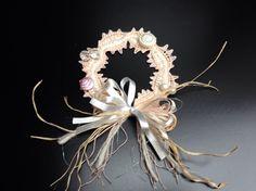 ヴエネツ展2015。NKさん作。キャンドル飾りはチェコのガラスボタンとビーズのコンビネーションです。うっとりする美しさに完成しました。020/20151119