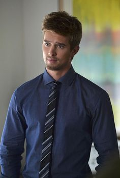 For the twin brother of Paxton, my dream cast pick for Colin Osgood is Drew van Acker