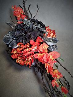 Copper Pyramid, Grave Decorations, Florists, Ikebana, Flower Crafts, Funeral, Flower Power, Wreaths, Flowers