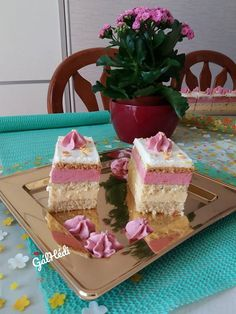 Cake Bars, Vanilla Cake, Cake Recipes, Chicken Recipes, Cheesecake, Food And Drink, Cookies, Baking, Sweet
