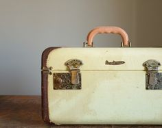 Vintage 1940s Herkert & Meisel Train Case