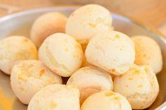 Aprende a hacer pan de yuca  #comidaecuatoriana #comidalatina #pan #pandeyuca #pansinharina #panes #recetassencillas #yuca http://us.emedemujer.com/cocina/recetas/aprende-a-hacer-pan-de-yuca/