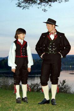Ny herrebunad fra Asker og Bærum - Kultur - Budstikka
