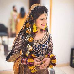 Gorgeous Mehndi bride via @asmallshutter ✨ #pakistanibride #pakistanibrides #asianbride #pakistanibridal #dulhan #shaadi #mehendi #mehndibride #flowerjewellery #photography #glamorous #pakistan #mehndinight #lehengacholi #southasianbride #dholki #wedding #henna #2016wedding #bride #pakistanifashion #weddinginspiration #pakistanistyle #pakistanidress #prettybride #bridalfashion #pakistanijewellery #bridalhair #hair #fashion Asian Bridal Dresses, Bridal Mehndi Dresses, Asian Wedding Dress, Pakistani Wedding Dresses, White Wedding Dresses, Bride Dresses, Dulhan Dress, Mehndi Outfit, Pakistan Wedding