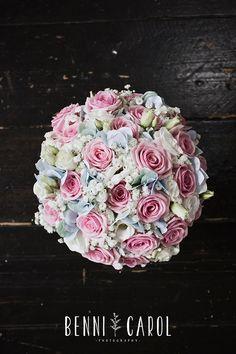 Wedding flowers images and ideas | Pembroke Lodge Wedding Photographer Alternative, Creative and Documentary Pembroke Lodge Wedding Photographer | Benni Carol Photography