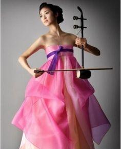 Hanbok, Korean Traditional Dress 와..해금과 한복의 조합이란....
