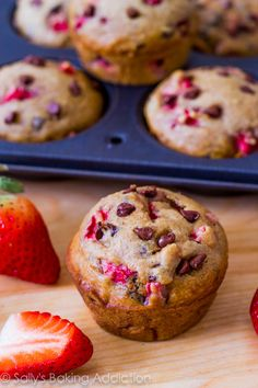 Skinny Strawberry Chocolate Chip Muffins, perfect for breakfast on the go. #Recipes #Healthy #Muffins