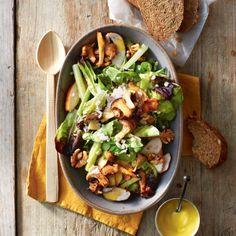Salade met gerookte kip en paddenstoelen