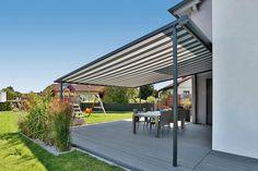 Eine Pergola, die nicht mit einem Betonfundament fixiert werden muss, erweist sich als recht flexibler Sonnenschutz. Foto: Markilux