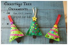 Felt Christmas Tree Ornaments are an easy, fun #craft for #kids and grownups! Make some for your tree and give some away as gifts!