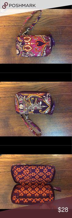 Vera Bradley wristlet Used once or twice! Vera Bradley wallet! Vera Bradley Bags Clutches & Wristlets