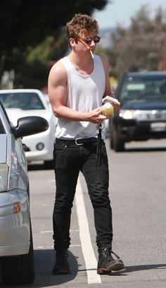 """Exclusive... """"Shameless"""" actor Jeremy Allen White walks with his girlfriend in West Hollywood, CA after buying a fresh squeezed juice on April, 6, 2012. Hopefully drinking the fresh juice will offset the damage done from smoking the cigarette he enjoyed..."""