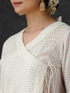 Simple Kurti Designs, New Kurti Designs, Kurta Designs Women, Neck Designs For Suits, Designs For Dresses, Myanmar Dress Design, Suit Pattern, Pakistani Dresses Casual, Indian Designer Outfits