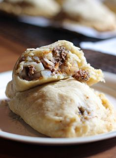 A traditional Yooper pasty recipe filled with meat, potatoes, onion, carrot, and rutabagas with a buttery crust that can't be beat! My Recipes, Beef Recipes, Cooking Recipes, Favorite Recipes, Dinner Recipes, Curry Recipes, Dinner Ideas, Yooper Pasty Recipe, Gourmet