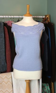 Here we have our gorgeous baby blue off shoulder Alpaca wool top. This is a small to medium size top. It is luxuriously soft to touch as it is made with 100% baby alpaca! Our products are sourced directly from Peru and purchased at a fair-trade price, benefiting the crafter!
