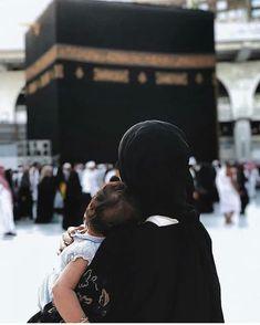 Muslim Family, Muslim Couples, Masjid Al Haram, Mekkah, Quran Surah, Muslim Quotes, Islamic Quotes, Love In Islam, Islamic Girl