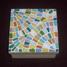 Fj Mosaic Art - artesanum com Mosaic Tray, Mosaic Stepping Stones, Mosaic Birds, Mosaic Madness, Clay Tiles, Tea Box, Mosaic Crafts, Jewellery Boxes, Mosaic Patterns
