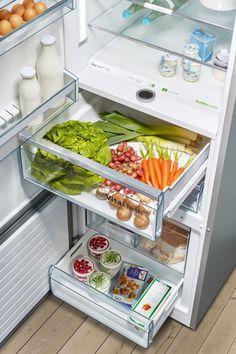 Bosch Fridge freezers with VitaFresh keep food fresher for longer than standard fridges. Freestanding Fridge, Freezers, Stay Cool, Healthy Lifestyle, Oven, Kitchen Appliances, Fresh, Food, Diy Kitchen Appliances