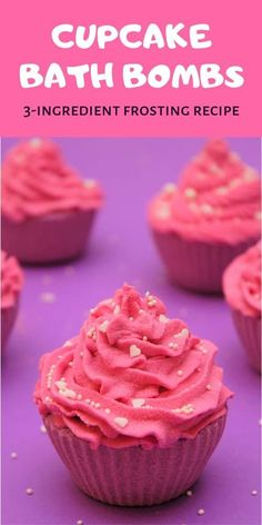 Make these beautiful DIY cupcake bath bombs using a simple only bath bomb frosting recipe. This DIY bath bomb frosting dries hard and foams in water. DIY bath bombs Foaming Cupcake Bath Bomb Frosting Recipe – Only 3 Ingredients - DIY Beauty Base Pot Mason Diy, Mason Jar Crafts, Bath Bomb Ingredients, Cupcake Bath Bombs, Diy Cupcake, Cupcake Creative, Cupcake Crafts, Cupcake Soap, Cupcake Frosting