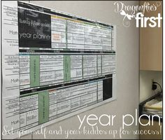 Year Planner - NECESSARY and INCREDIBLE tool to create an organized school year!! LOVE THIS!! Back to School Necessities