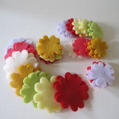 Great flowers !!! see tutorial here www.just-kutz.blogspot.com