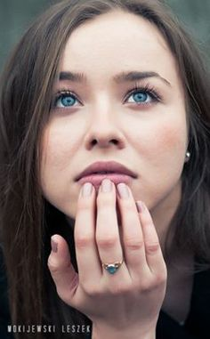 Sesja plenerowa Into blue eyes. Modelka: Rene