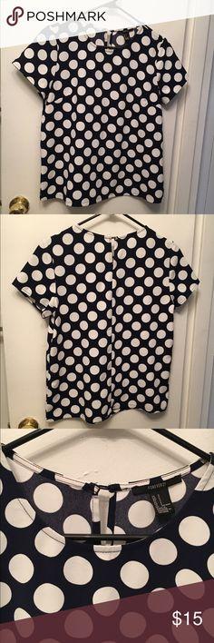 Polka dot boxy top Polka dot print, short-sleeved, boxy top Forever 21 Tops Blouses