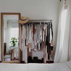 aménager un dressing, penderie et grand miroir baroque