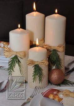 Candles ideas, candle xmas ideas, christmas candels, table d Rose Gold Christmas Decorations, Easy Christmas Crafts, Christmas Mood, Christmas Candles, Christmas Centerpieces, Rustic Christmas, Xmas Decorations, Christmas Wreaths, Christmas Ideas