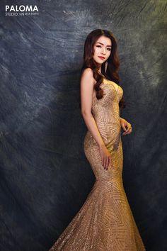 Design by Sequin gold dress Gold Sequin Dress, Gold Sequins, Formal Dresses, Design, Fashion, Tea Length Formal Dresses, Moda, Formal Gowns, Fashion Styles