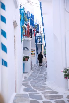 Mykonos life, Greece Mykonos Town, Mykonos Greece, Greece Travel, London, Dinner, Life, Roasted Chestnuts, Wanderlust, Greece